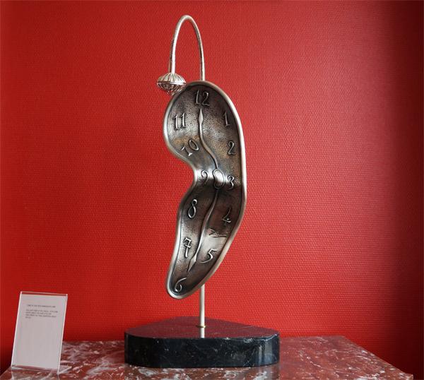 ArtBankin Salvador Dalí -kokoelman yksi helmistä